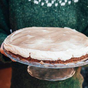 Birnenkuchen-mit-veganer-Sahne